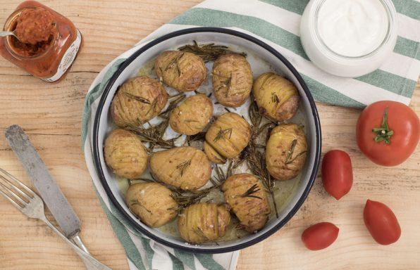 recepti Aromaticni zapeceni mladi krompir